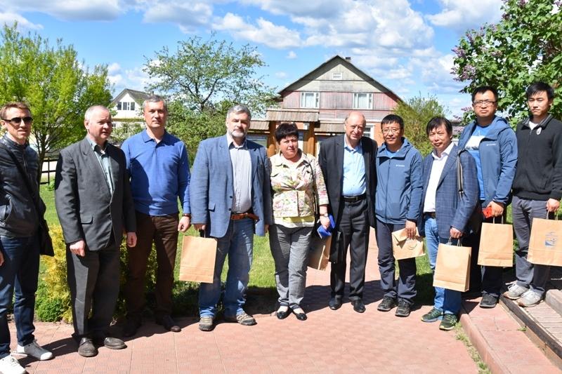 Китайские ученые изучают вопрос использования «Смоленского Поозерья» в качестве полигона для выращивания лекарственных растений