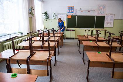 Путин поручил разобраться с принудительной покупкой парт родителями в Калмыкии