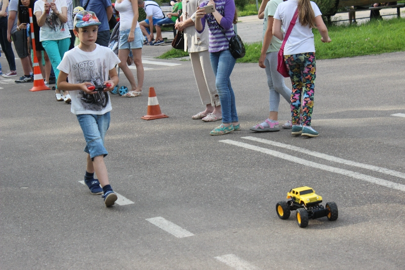 В Смоленске прошел кубок мэра по гонкам радиоуправляемых машин