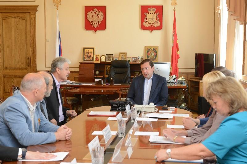 Губернатор Алексей Островский провел рабочую встречу с представителями регионального отделения Союза архитекторов