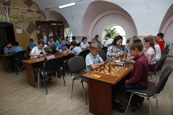 В Смоленске состоялся турнир, приуроченный к Международному Дню шахмат