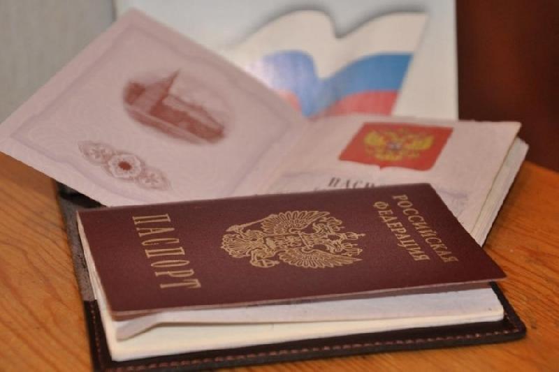 Смоленские полицейские задержали мужчину, пытавшегося купить в кредит технику по чужому паспорту