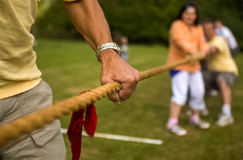 В выходные дни на набережной для смолян проводят спортивные состязания
