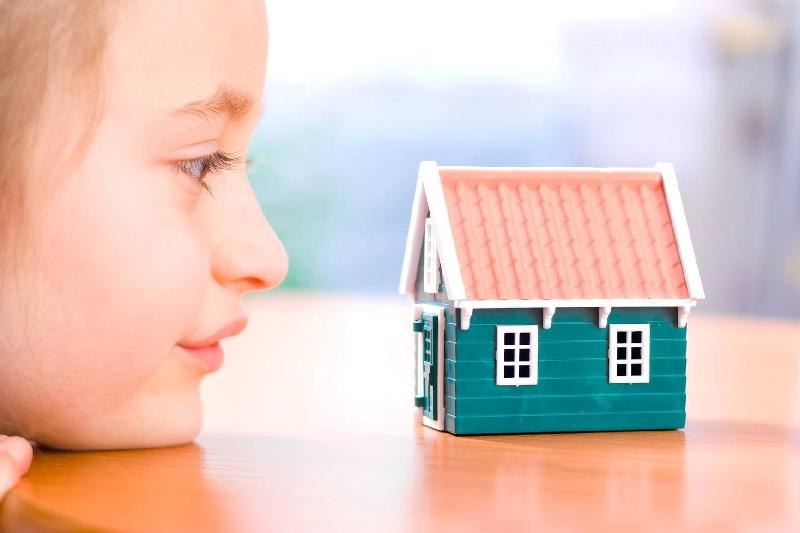 В 2017 году в Смоленской области на обеспечение жильем детей-сирот выделено свыше 283 миллионов рублей