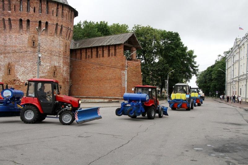 Смоленск получил технику для уборки улиц