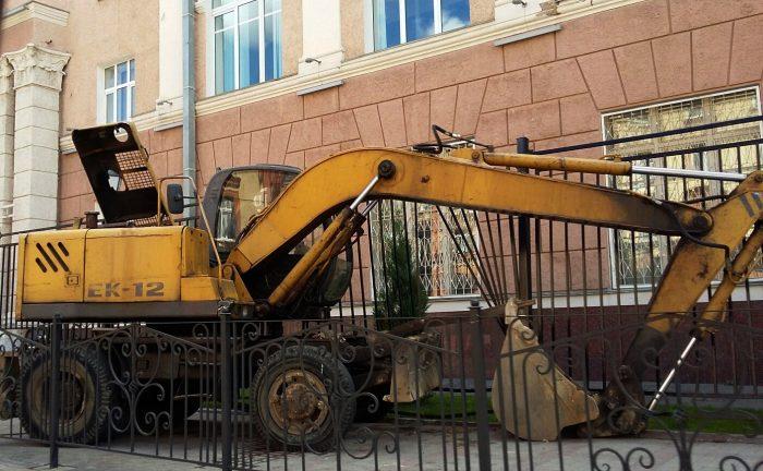 Стали известны подробности ДТП с экскаватором в Смоленске