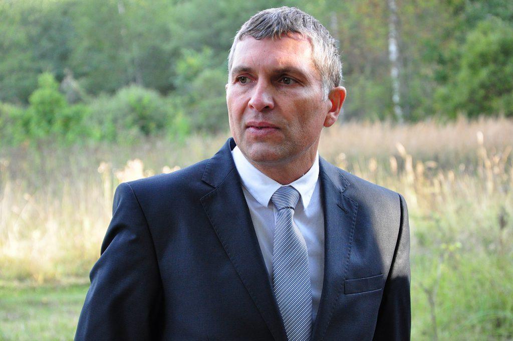 Губернатор Алексей Островский принял отставку главы Кардымовского района Евгения Беляева