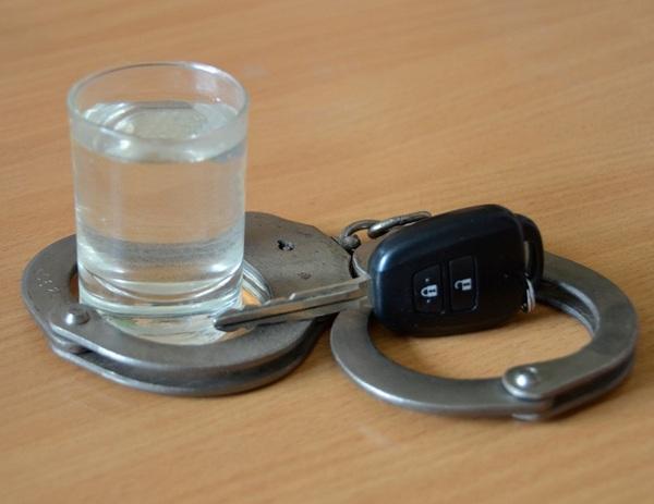 Три водителя разъезжали по дорогам Смоленской области пьяными и без прав