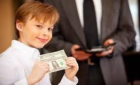 В регионах России продолжают собирать с родителей деньги на нужды школ