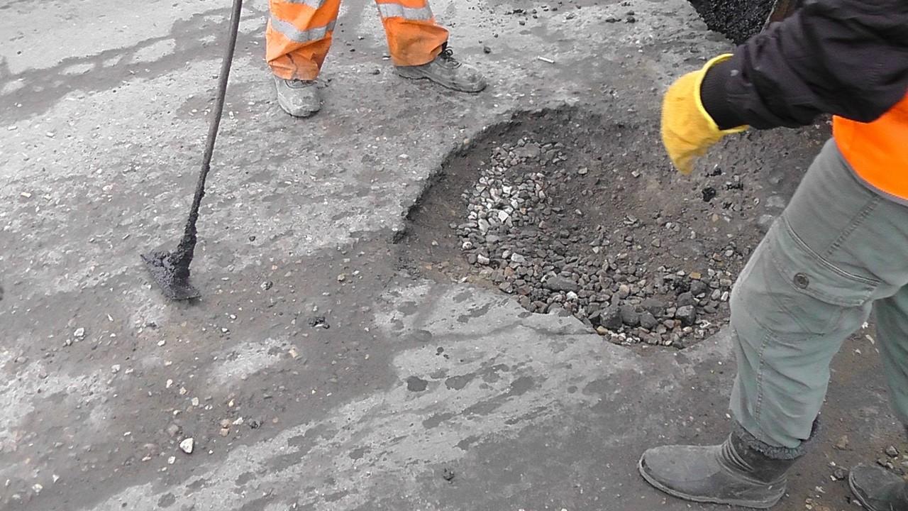 ОНФ: Смоленская область лидирует в России по объему проведенного ямочного ремонта