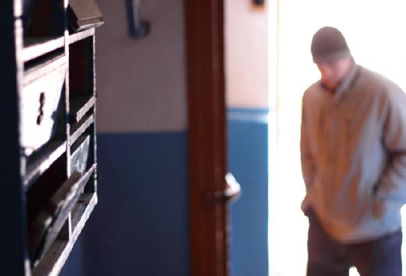В Смоленске задержали молодого человека, напавшего на девушку