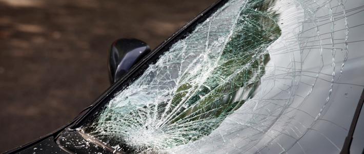 В райцентре Смоленской области под колесами иномарки погиб 80-летний мужчина