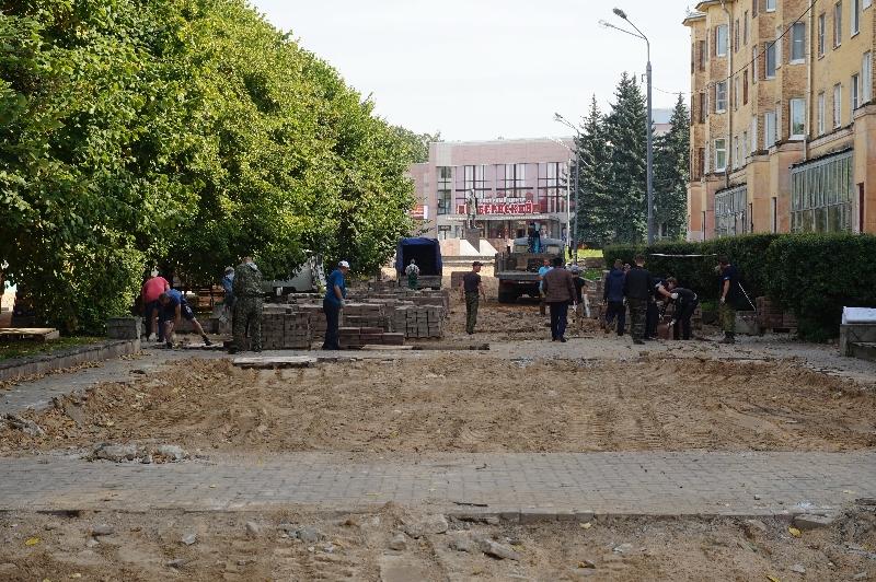 Как в Смоленской области идет благоустройство дворов и скверов