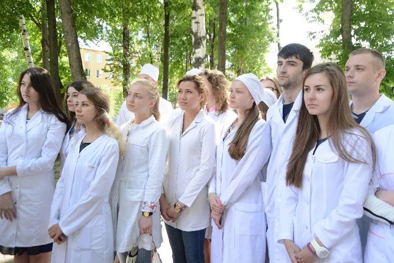 Почему студенты из Индии не могут продолжать обучение в Смоленске?