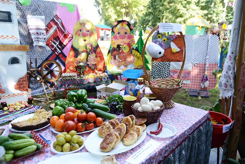 На сельскохозяйственных ярмарках в Смоленске аграрии региона представят более 100 наименований продукции