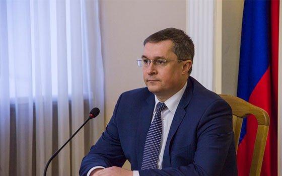 Мэр Смоленска призвал оперативнее устранить раскопы на городских дорогах