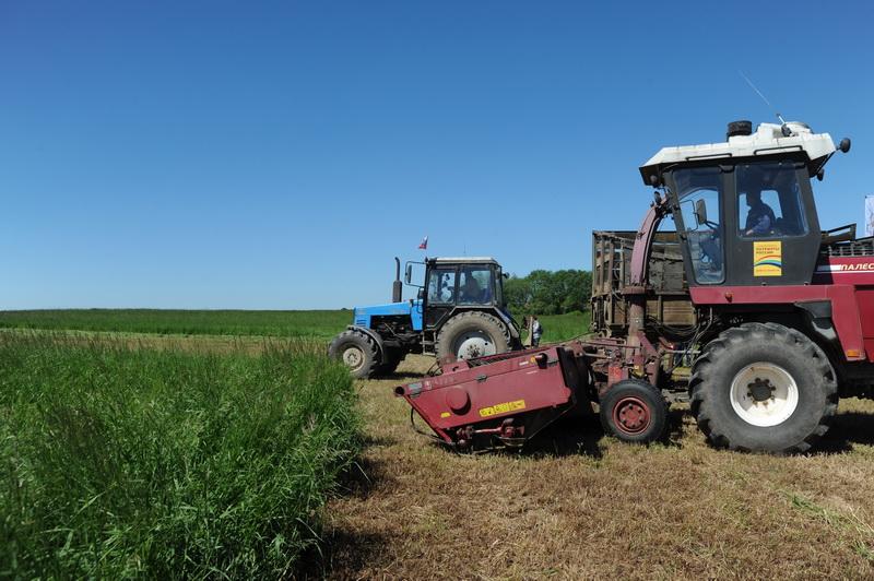 Смоленские товаропроизводители получат субсидии на приобретение сельскохозяйственной техники