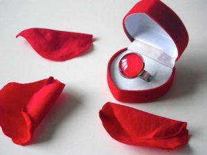 Как выбрать романтический подарок