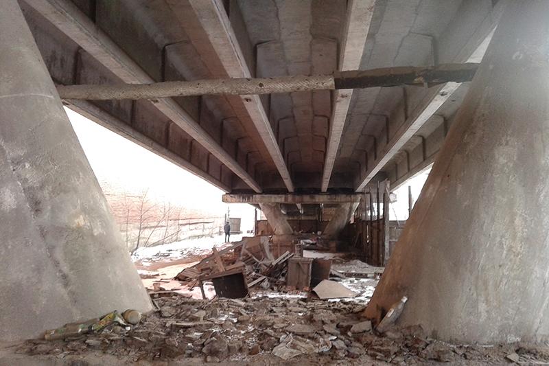 В Смоленске ремонт Беляевского путепровода закончат через год