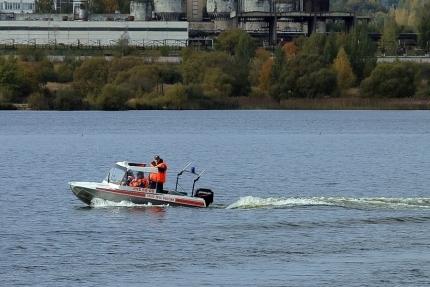 Смоленские спасатели вышли в «рыбные» рейды