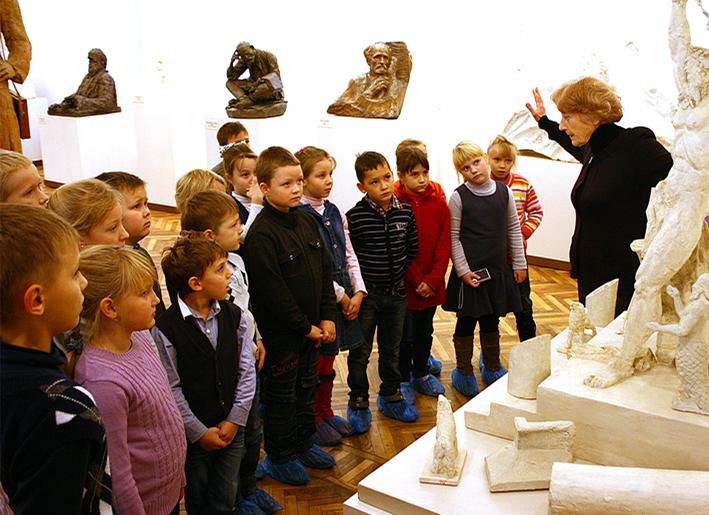 Для смоленских школьников с октября действуют абонементы в музей скульптуры С.Т. Коненкова