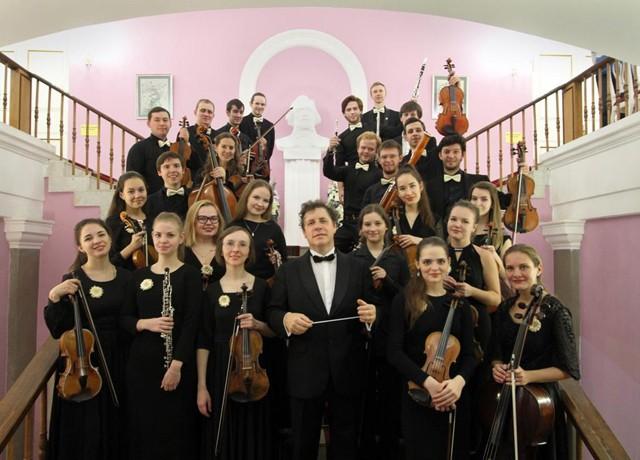 Впервые и с аншлагом в Смоленске выступил Московский камерный Шнитке-оркестр