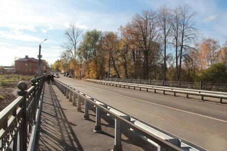 В Вязьме завершили ремонт Смоленского моста