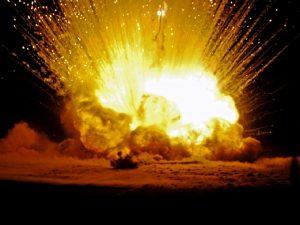 Смолян напугали звуки взрывов в Заднепровье