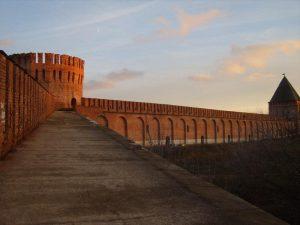 Смоленскую крепостную стену возьмут под охрану