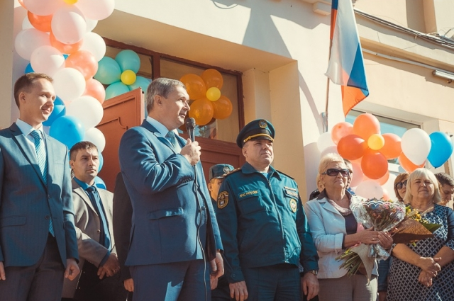 Владимир Соваренко поздравляет педагогов Смоленска с Днем учителя