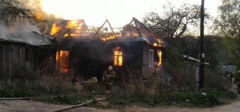 Семья из Руднянского района осталась без крыши над головой