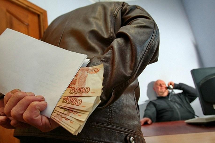 Две сотни уголовных дел о коррупции возбудила прокуратура Смоленской области