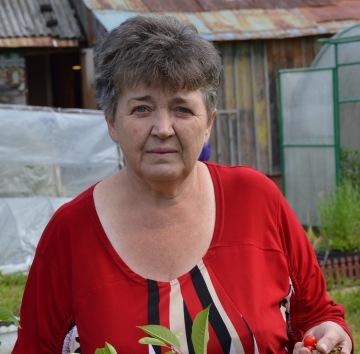 В Смоленске девушка нашла потерявшуюся пенсионерку