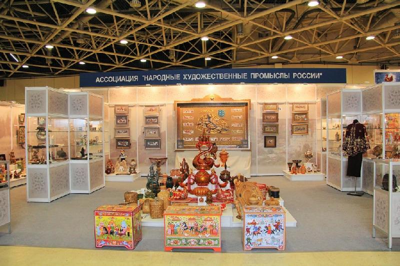 Смоленскую вышивку представят на выставке-ярмарке народных художественных промыслов