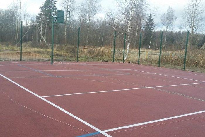 В Духовщинском районе завершили строительство спортплощадки