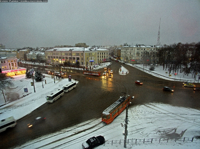 Для пешеходов оставили 8 секунд на оживленном перекрестке в Смоленске