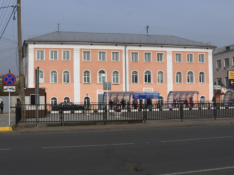 В Смоленске пустили часть пригородных автобусов от старого автовокзала