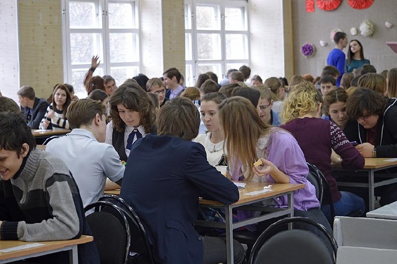 В Смоленске «Чики-Брики» «перестреляли» школьников из «Настойки Калигулы»