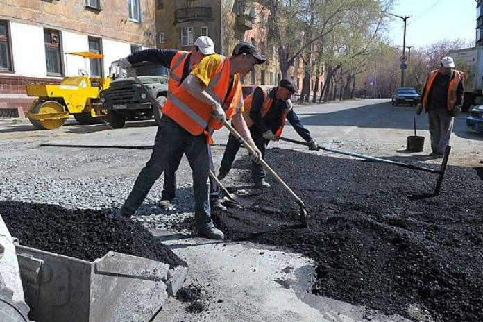 Сергей Неверов раскритиковал проведение ремонта дворов в Смоленске