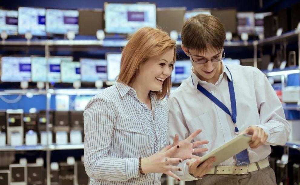 Директор смоленского салона сотовой связи брала кредиты по документам покупателей