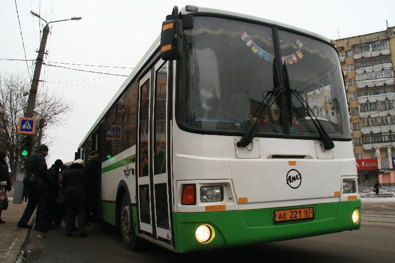 По просьбе садоводов в Смоленске сохранили автобусный маршрут