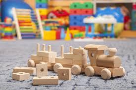 Детские игрушки — нужны ли вашему ребенку деревянные блоки?
