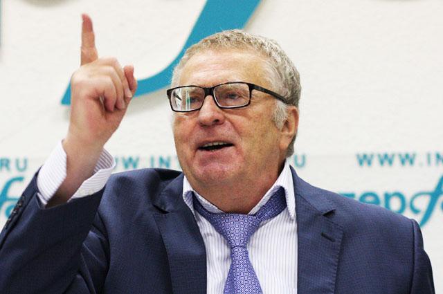 Владимир Жириновский призвал смолян отказаться от курения