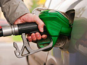 В Смоленске в третий раз в декабре подорожал бензин