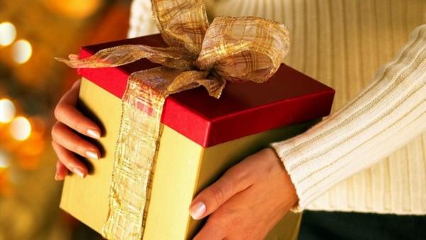 Что подарить любимой девушке на день рождения?
