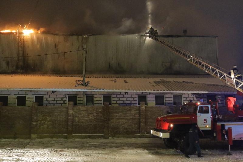 Появились фото с места крупного пожара в Смоленске