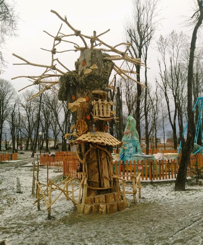 В Смоленской области для Бабы-Яги построили дом