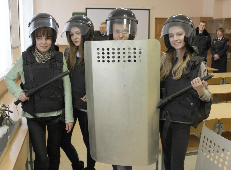 Смоленские студенты побывали в гостях у полиции