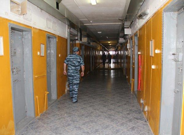 Смоленский суд заключил под стражу заместителя районного прокурора, обвиняемого в посредничестве во взяточничестве
