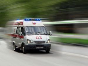 Под Смоленском водитель фуры сбил девушку